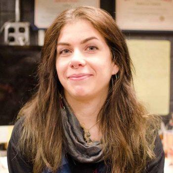 Portrait picture of Gabrielle Dinger